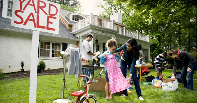 7 tips for throwing a successful garage sale Image