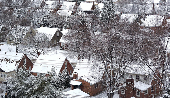 Reasons to Buy a Home in the Winter Image