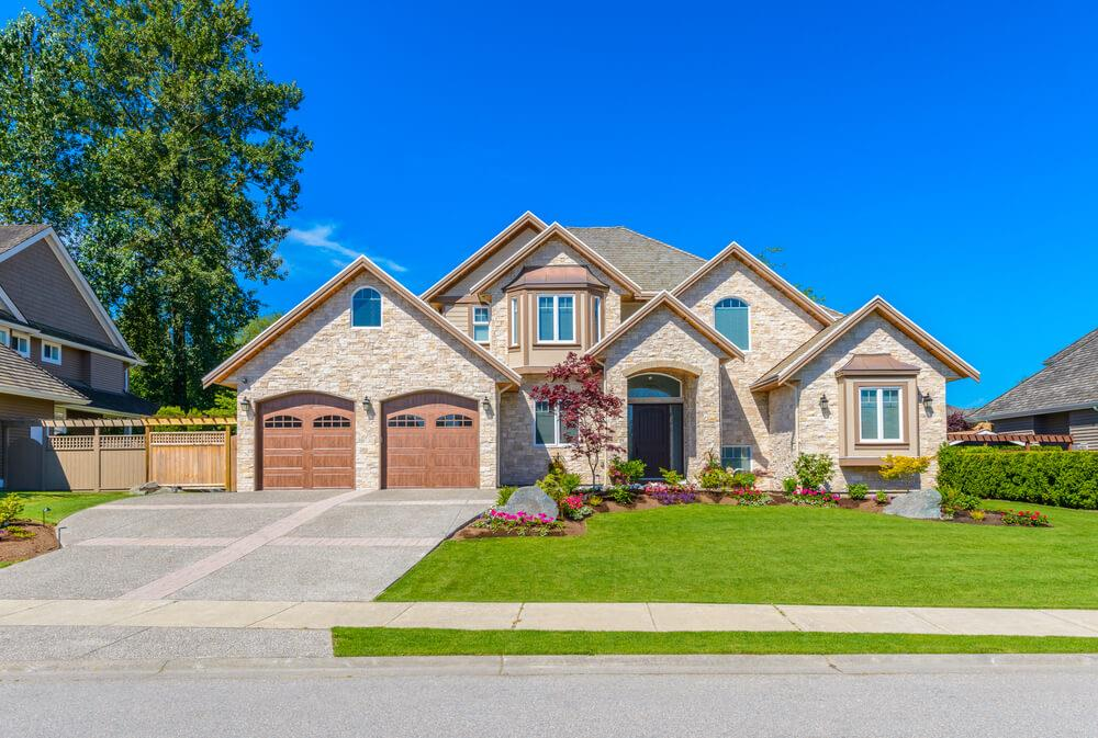 Detached home sales on the rise, along with the average price Image