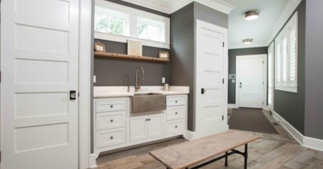 Organize your mudroom for extra storage this winter