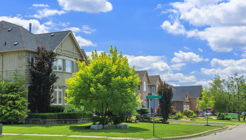Detached home sales surge as the busy fall market approaches Image