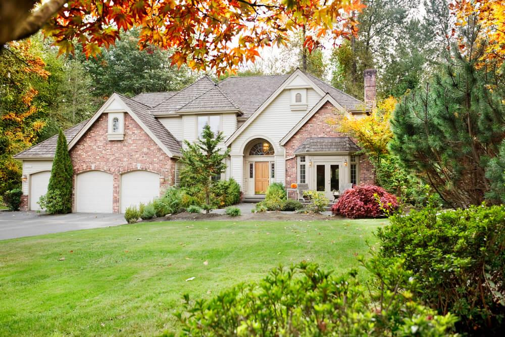 How to improve your home's fall curb appeal Image
