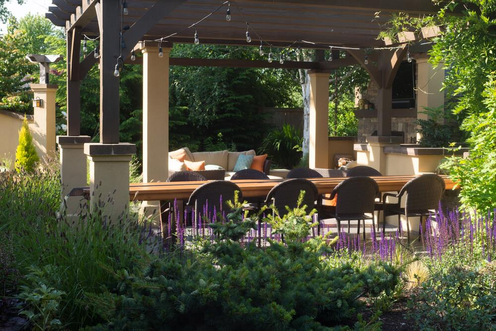 How to create the perfect backyard for entertaining Image