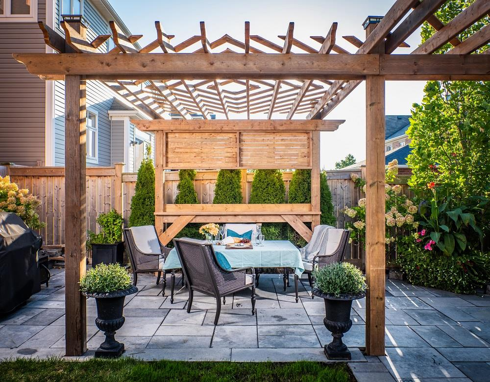 How to optimize your backyard and create your own private oasis with a pergola: An ideal solution for common backyard problems Image