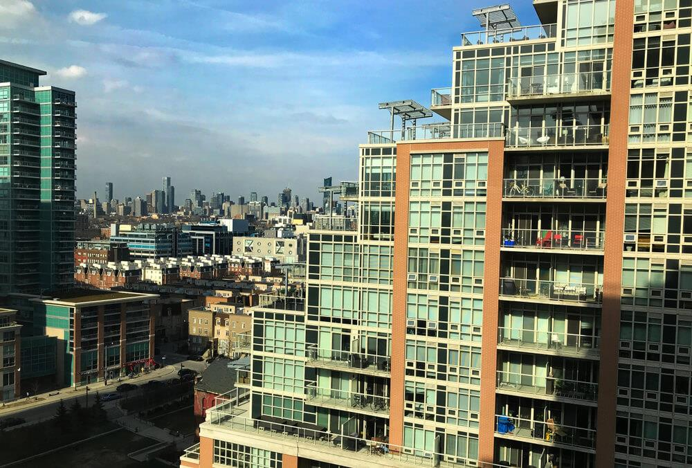 Average price of a resale condo unit in Toronto surpasses $600,000 Image