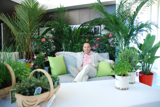 Frankie Flowers Talks Balcony Gardening at Lago Image