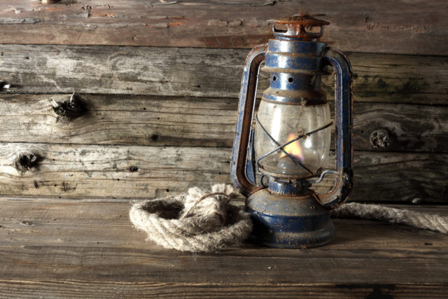 Cottage inspired home decor idea: Use antique lanterns