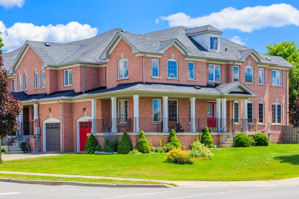 Canadian home sales heating up with the summer weather Image